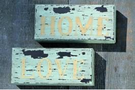 Träskyltar Home/Love, 2 st/set